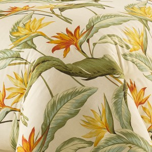 A-Tropical-Bedding-Style-that-Makes-Sense